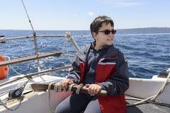 A criança e o mar Foto de Stock Royalty Free