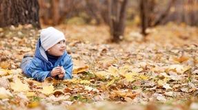 Criança no parque Foto de Stock Royalty Free