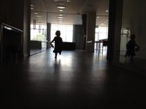 Criança running Foto de Stock Royalty Free