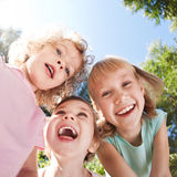 Crianças felizes que têm o divertimento Foto de Stock Royalty Free
