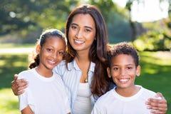 Crianças indianas da mulher Imagens de Stock Royalty Free