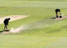 Cricket groundsmen Royalty Free Stock Images