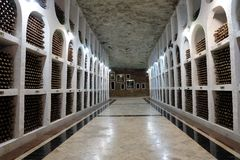 21 08 2016, CRICOVA, Ondergrondse de wijnkelder van MOLDAVIË Stock Foto's
