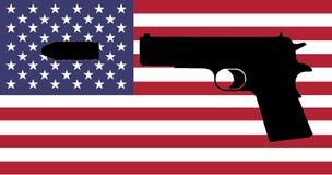 Crime d'arme à feu aux Etats-Unis - une arme à feu avec le drapeau américain Photo stock