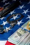 crime da foto do conceito e dinheiro e armas retraídos da punição fotografia de stock royalty free