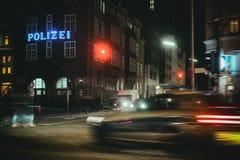 Crime de St Pauli Reeperbahn Kiez Police Action de Davidwache Hambourg photo stock