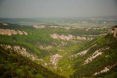 crimea berg Sikten uppifrån av platån crimea rest arkivfoton