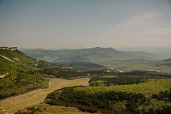 crimea berg Sikten uppifrån av platån crimea rest royaltyfria bilder