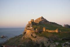 crimea fästninggenoa soluppgång royaltyfria foton