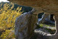 crimea Grottastad i höstsäsong royaltyfri foto