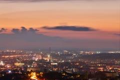 crimea Simferopol från en fågelperspektiv i strålarna av uppsättningen arkivfoto