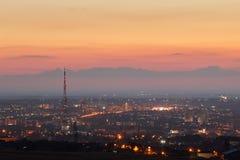crimea Simferopol från en fågelperspektiv i strålarna av uppsättningen royaltyfria bilder