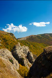 Crimean berg på den soliga sommardagen Royaltyfri Foto