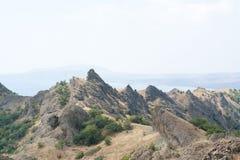 2008 crimean berg sörjer sommar Halvön av Krim Arkivfoto