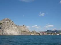 Crimeia, castelo em Sudak. imagens de stock royalty free