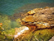 Crimeia - grandes pedras no mar Imagem de Stock