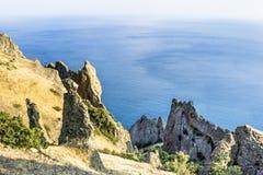 Crimeia, reserva extinto da montanha do Kara-Dag do vulcão Foto de Stock