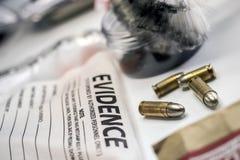 Criminalistic laboratorium, pocisk skorupy analiza zdjęcia stock