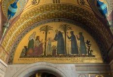 Cripta dentro de la catedral de la basílica en Monte Cassino Abbey Italia Fotografía de archivo