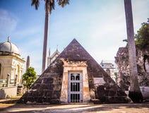 Cripta molto speciale ad un cimitero a Avana immagine stock libera da diritti