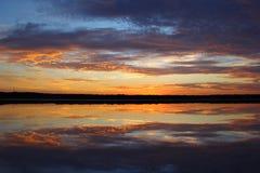 Crique d'eau de mer de lever de soleil - Salt Lake Image libre de droits