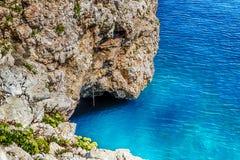 crique dans la plage rocheuse sur la Mer Adriatique Image stock