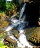 Crique de montagne Image libre de droits