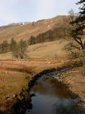 Crique de vallée au secteur de lac, Cumbria, Angleterre R-U photos stock