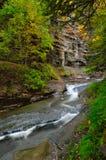 Crique pierreuse de ruisseau Images libres de droits