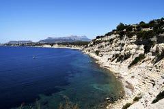 Crique rocheuse en mer photos libres de droits