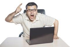Cris et secousses d'homme d'affaires son doigt Image libre de droits