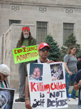 A crise de Médio Oriente alerta protestors em Lincoln State Capital em Nebraska Fotos de Stock Royalty Free