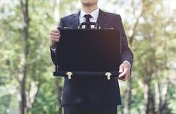 Crise financeira do risco de Loss Recession Bankruptcy do homem de negócios concentrada foto de stock