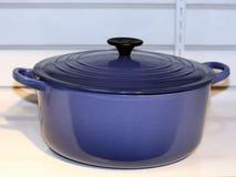 Crisol de cocinar azul Fotografía de archivo