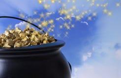 Crisol de oro Foto de archivo libre de regalías
