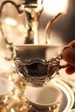 Crisol de plata tradicional del té Foto de archivo