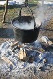 Crisol sobre el fuego Imagen de archivo libre de regalías