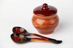 Crisol y cuchara de cerámica Fotos de archivo