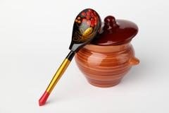 Crisol y cuchara de cerámica Foto de archivo