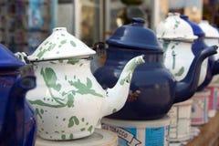 Crisoles, blanco y azul del té Imágenes de archivo libres de regalías