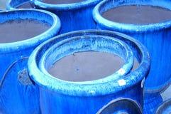 Crisoles de arcilla azules Imágenes de archivo libres de regalías