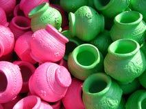 Crisoles de arcilla coloreados Imagen de archivo libre de regalías
