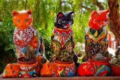 Crisoles de cerámica San Diego de los gatos del recuerdo mexicano Imagen de archivo