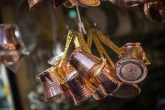Crisoles de cobre del café Fotos de archivo libres de regalías