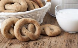 Crisp biscuit baked in the form of a knot Royalty Free Stock Photos