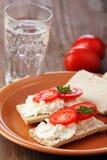 crispbread сыра мягкий Стоковые Изображения RF