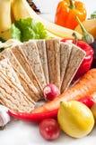 Crispbread с свежими овощами Стоковые Изображения RF