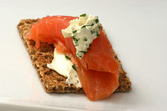 Crispbread with cottage cheese and salmon Royalty Free Stock Images