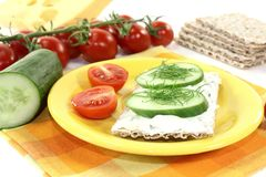 Crispbread with cream cheese, cucumber and dill Royalty Free Stock Photography