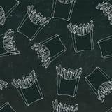 Crispy francuz smaży bezszwowego wzór z papierowymi pudełkami smażąca grula Realistyczna ręka Rysujący Doodle stylu nakreślenie w royalty ilustracja